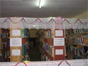 Biblioteca con 14.000 libri